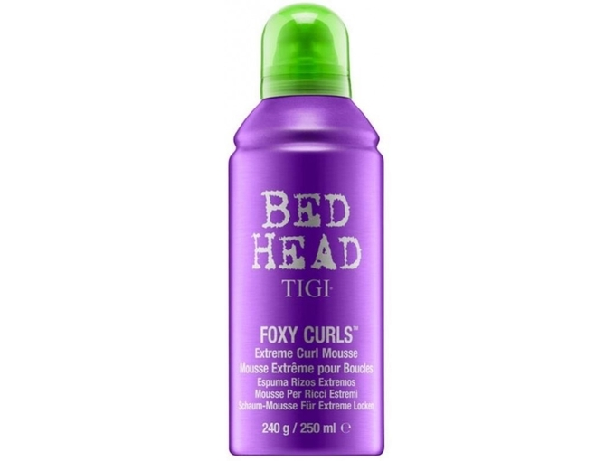Tigi Pena za kodranje BED HEAD Foxy Curls Extreme Curl Mousse 250 ml